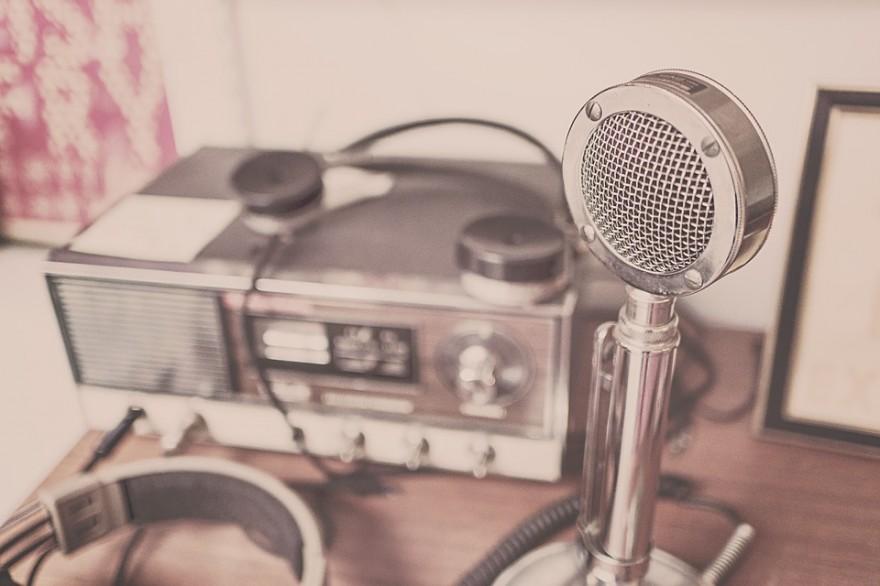 microphone-2627991_960_720
