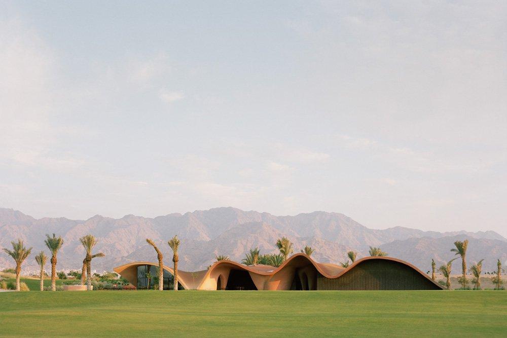 oppenheim-architecture-ayla-golf-clubhouse-academy-designboom-13