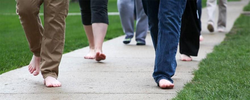 Боса разходка - бос - боси - без обувки